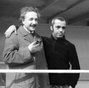 Einstein & Pes