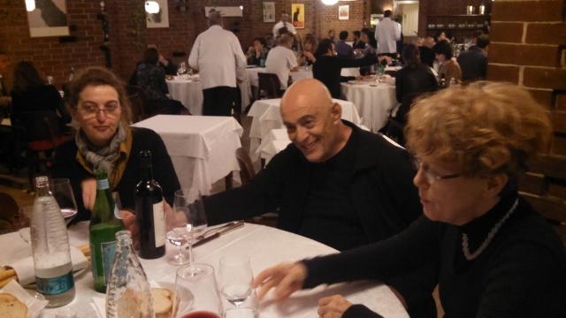 il titolare del blog tra Carlotta Cernigliaro alla sua destra e Patrizia Antonicelli alla sua sinistra