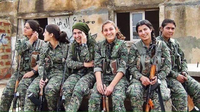 combattenti curde